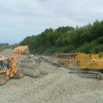 SCREENING AND CRUSHING GRAVEL MAKING 3 PRODUCTS